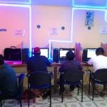 Musique en ligne : les cybercafés britanniques boivent la tasse